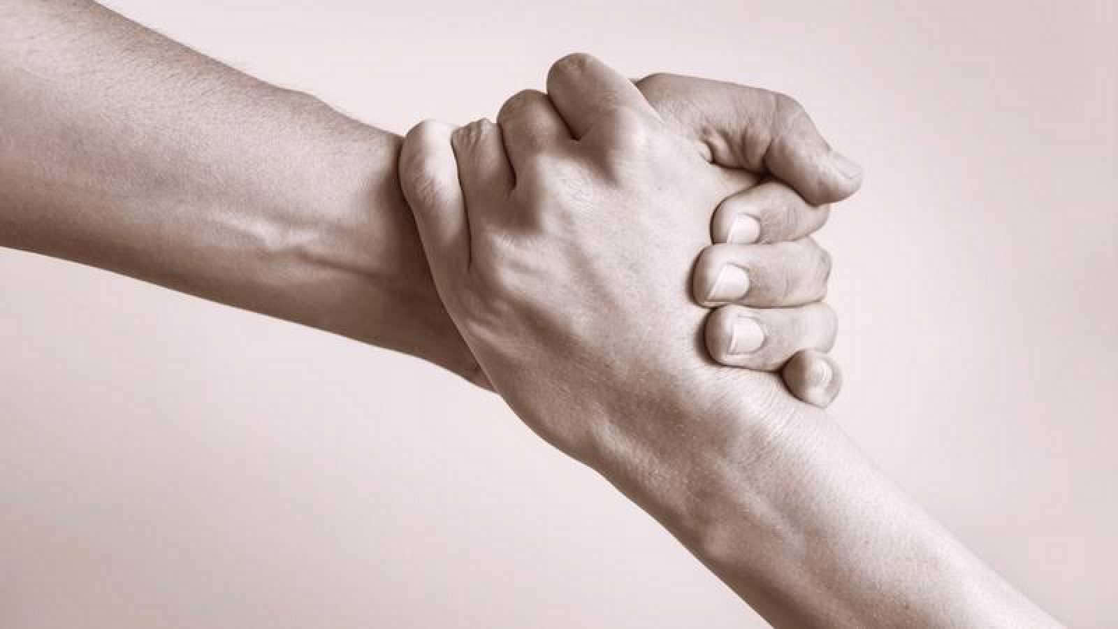 Descubre las claves para llevar de la mejor manera posible la situación de confinamiento en pareja.