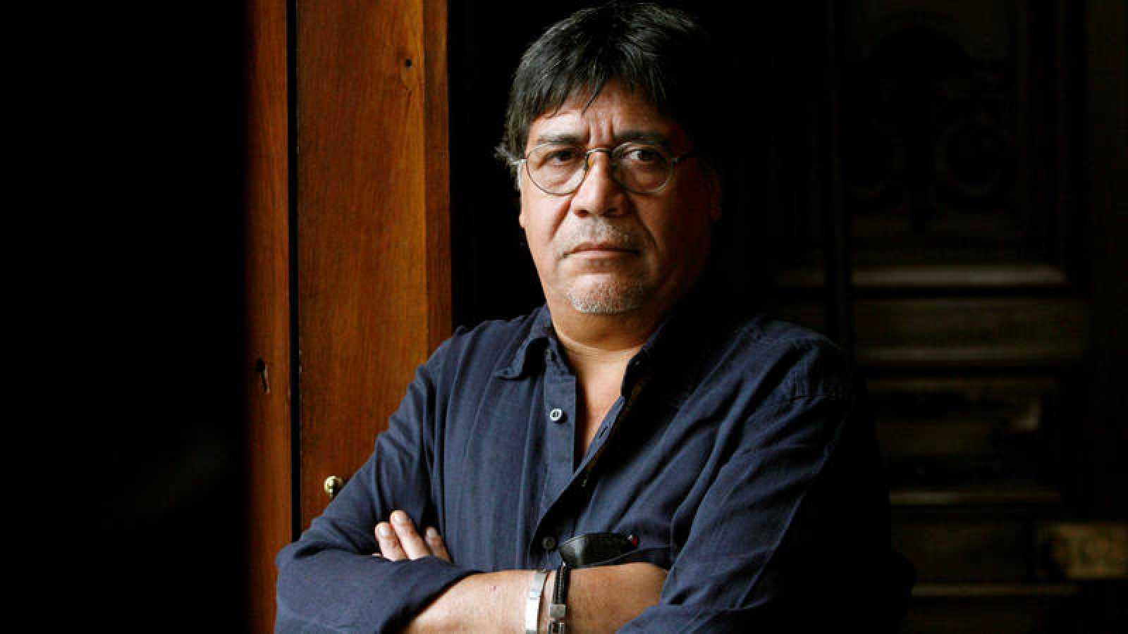 Luis Sepúlveda, un homenaje al escritor de la selva y la memoria