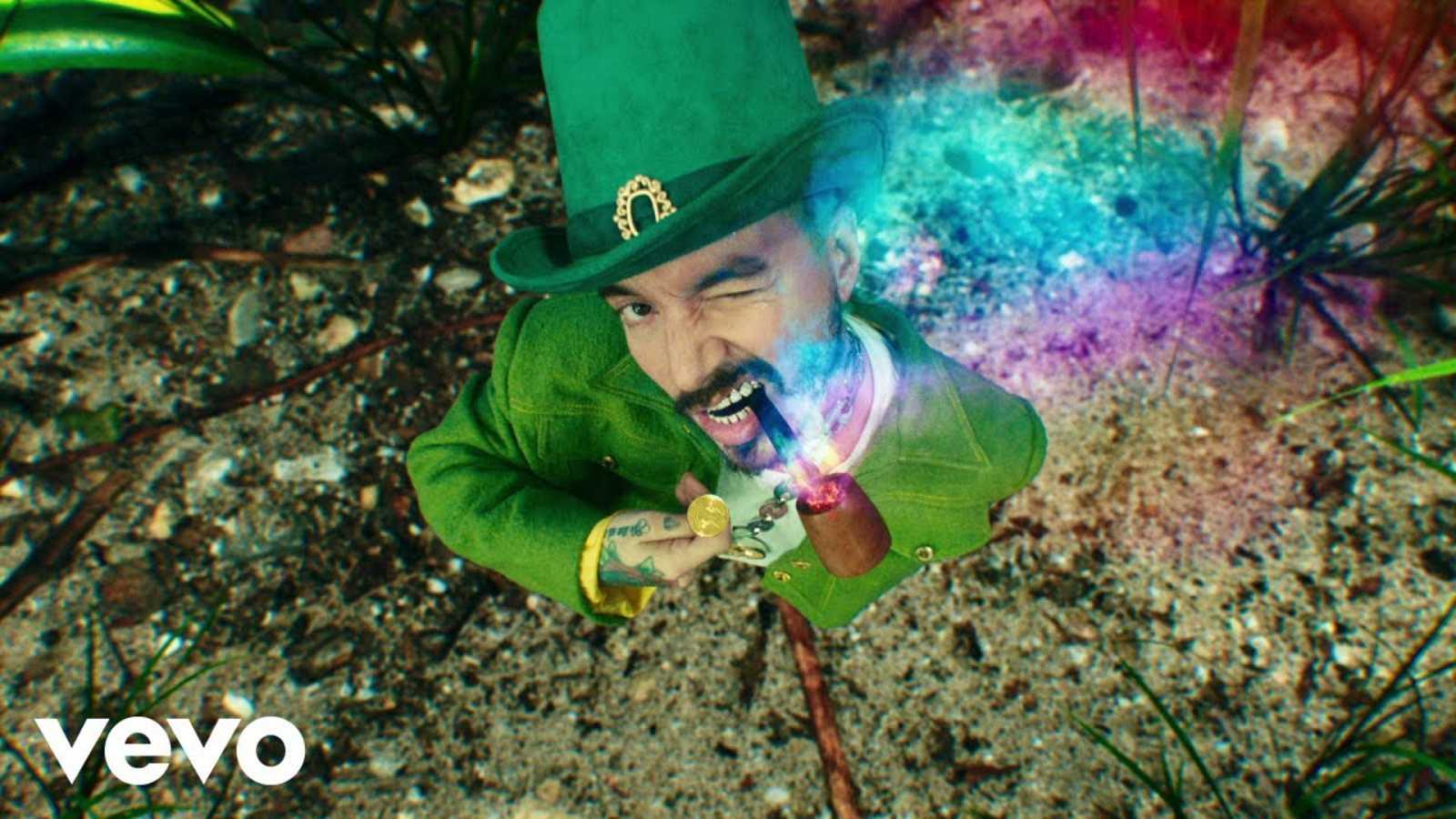 """J Blavin presenta el videoclip de su tema """"Verde"""": su última aportación audiovisual a su mundo cromático"""