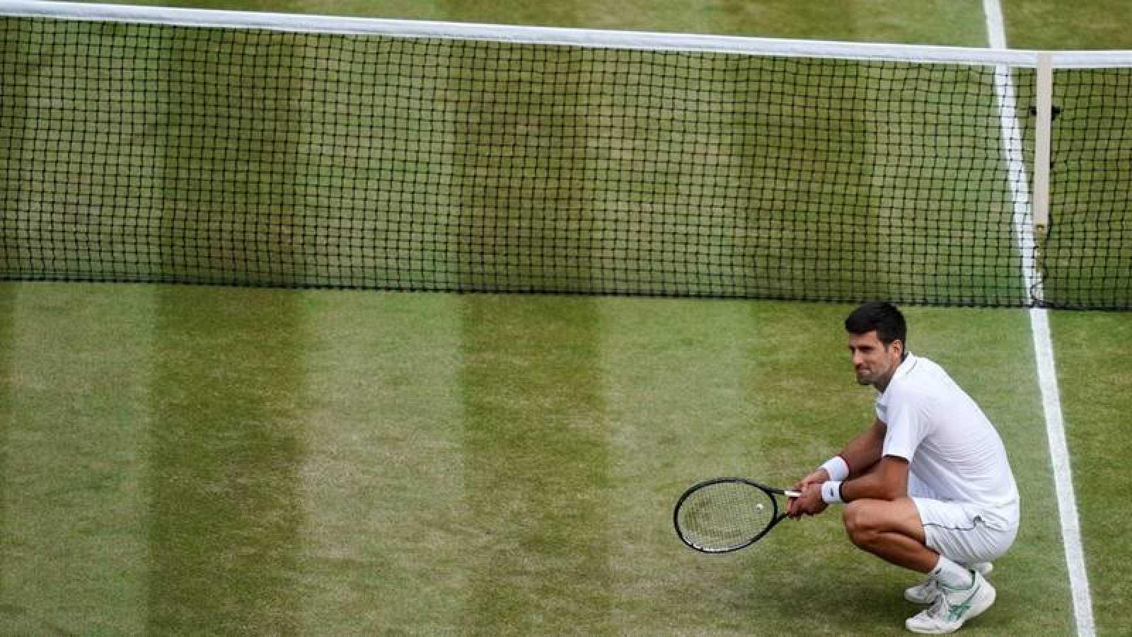El tenista serbio Novak Djokovic, tras ganar el torneo de Wimbledon en 2019.
