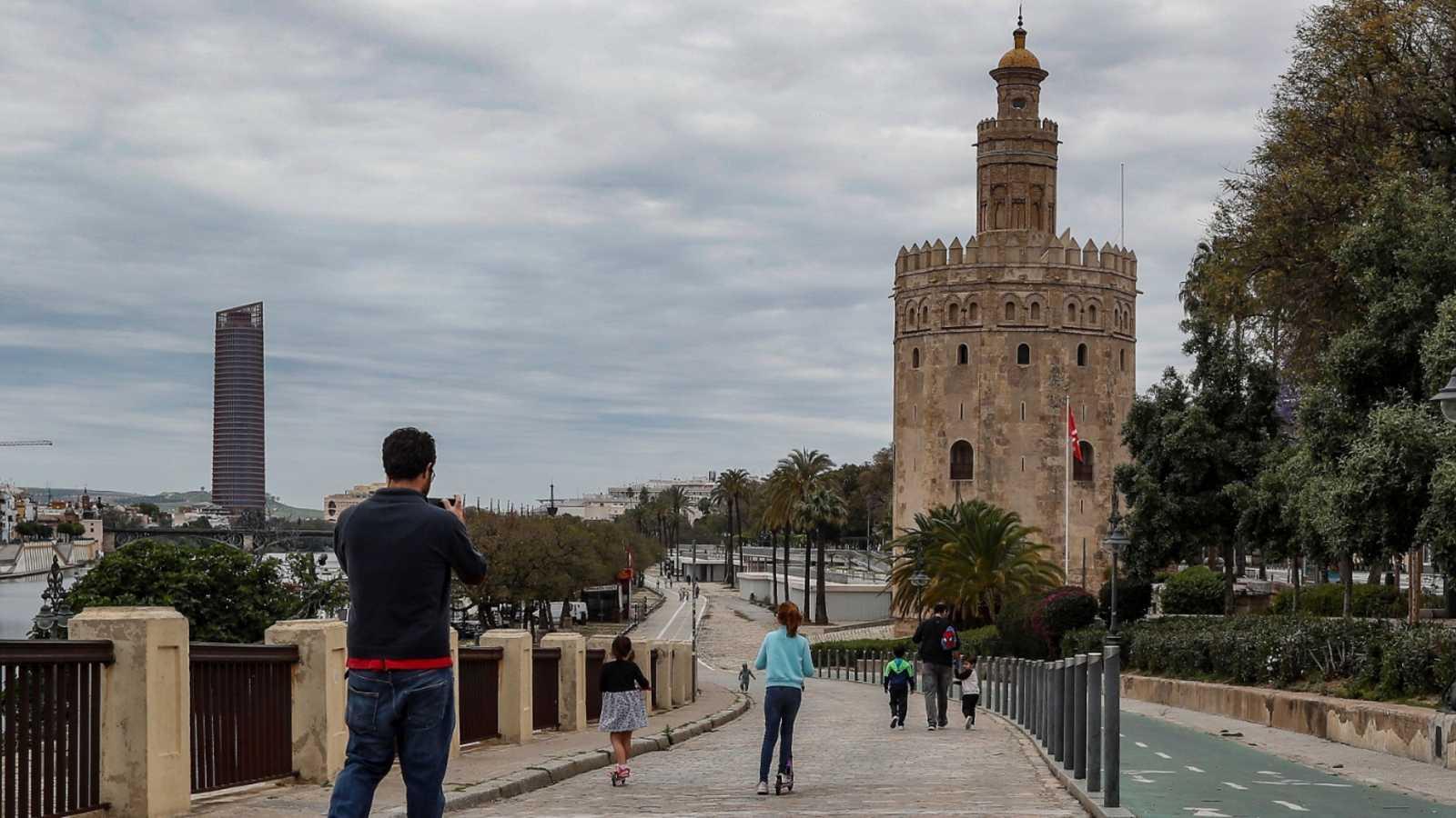 Andalucía propone abrir comercios, peluquerías y bares en mayo