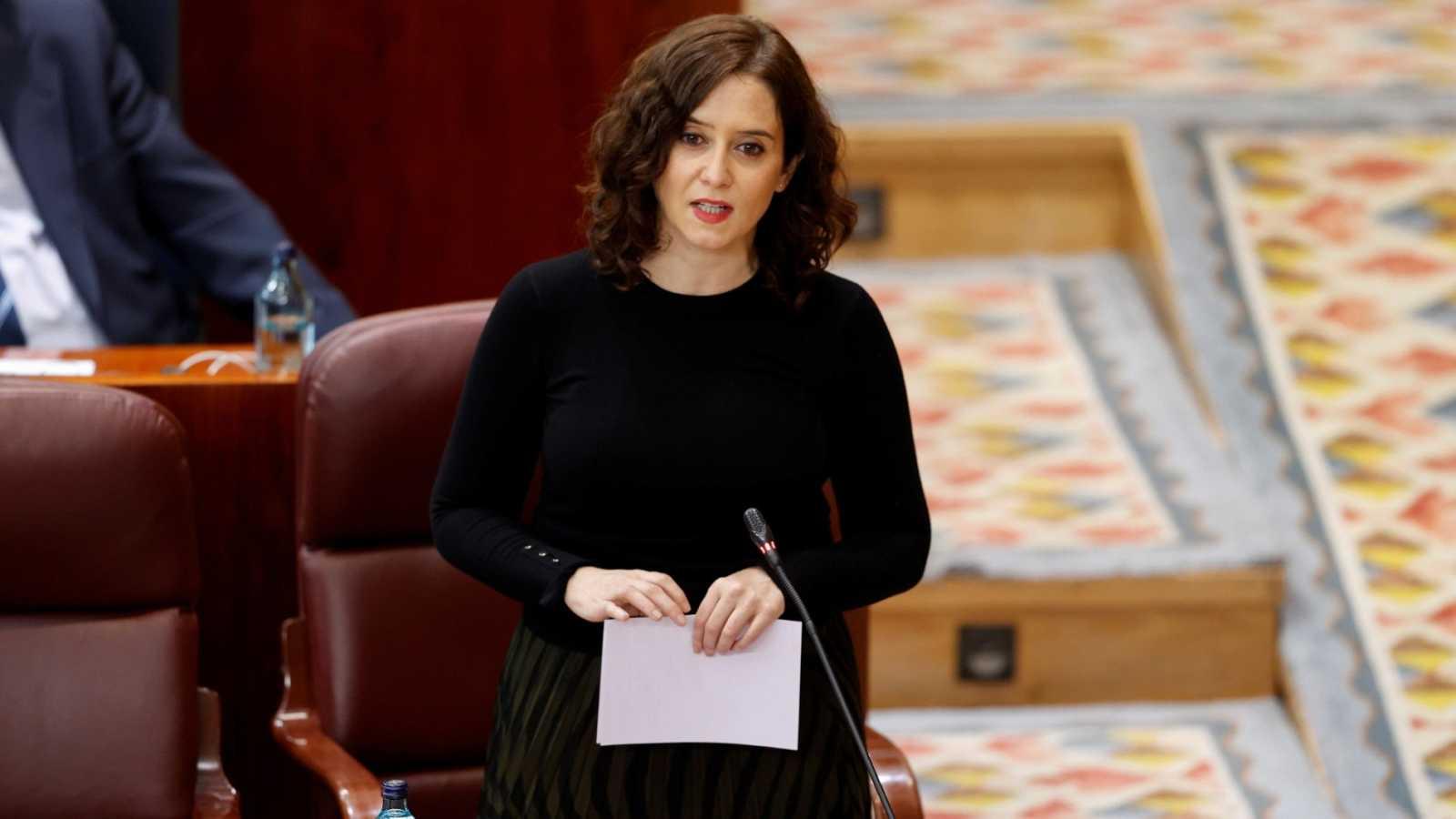 La presidenta de la Comunidad de Madrid, Isabel Díaz Ayuso interviene en el pleno de la Asamblea de Madrid