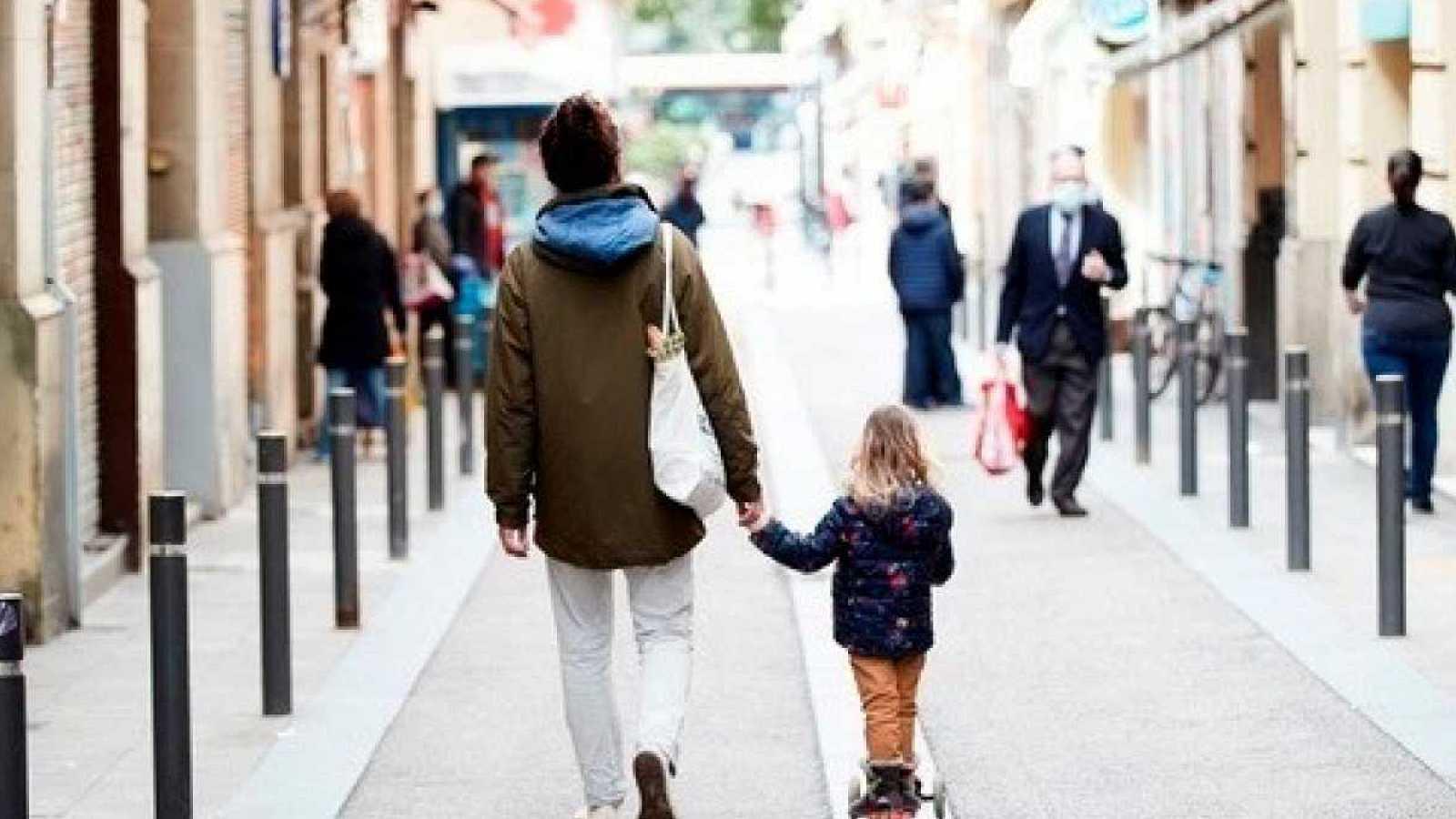 Imagen: Los horarios de los paseos con menores de 14 años podrán ser modificados por las CC.AA.