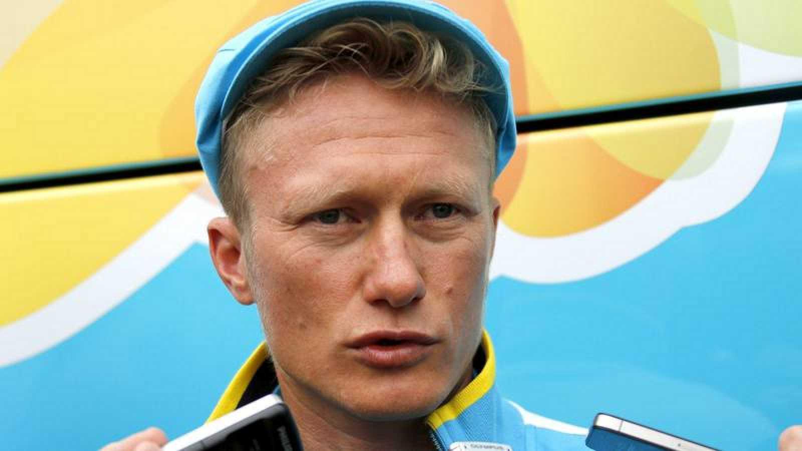 El exciclista kazajo Alexandre Vinokourov atiende a la prensa en imagen de archivo.