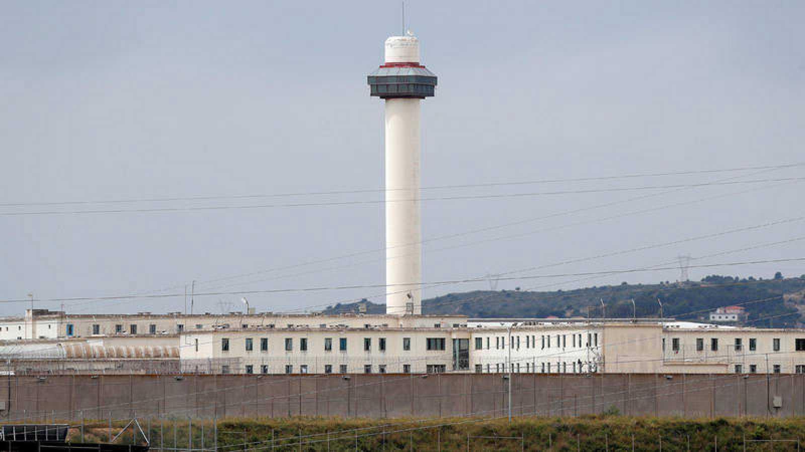 En la prisión de Picassent los internos retoman sus talleres de empresas externas