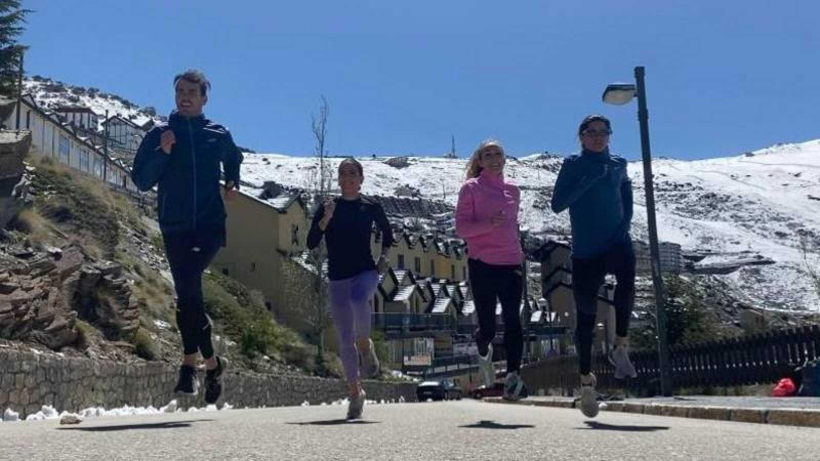 Los atletas Daniel Arce, Roberto Aláiz, Lidia Campo, Víctor Ruiz, Victoria Sauleda y Alejandro Rodríguez han pasado el confinamiento en Sierra Nevada.