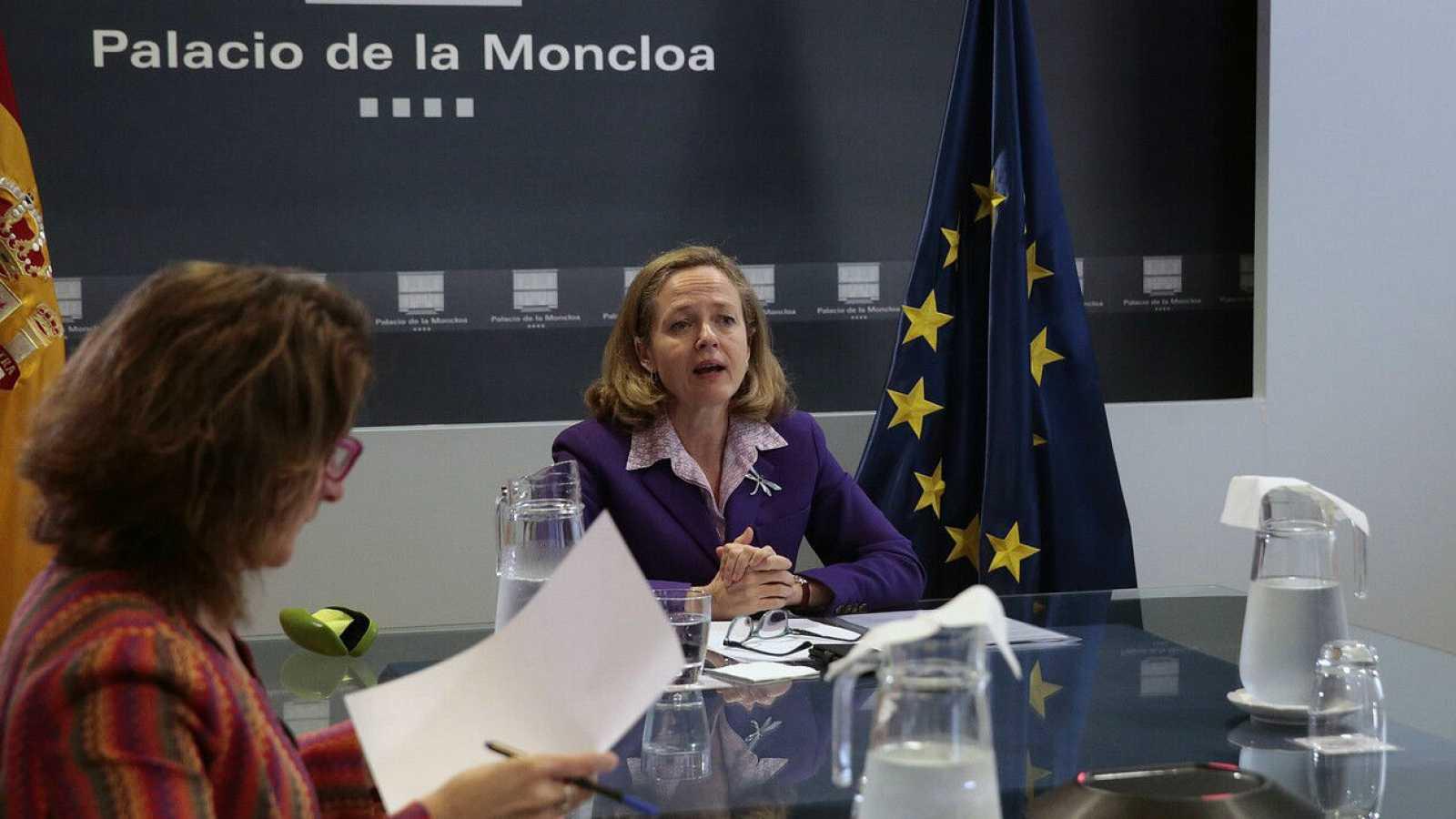 La vicepresidenta tercera y ministra de Asuntos Económicos y Transformación Digital, Nadia Calviño, durante un encuentro en La Moncloa