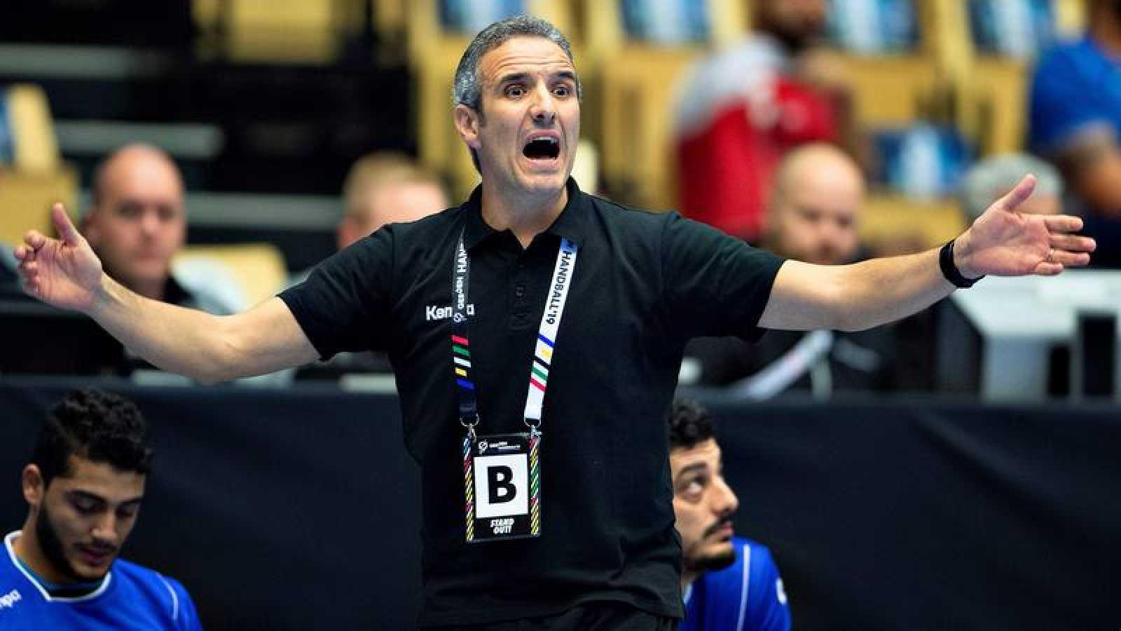 El entrenador español Toni Gerona, en un partido de su anterior cargo con Túnez.