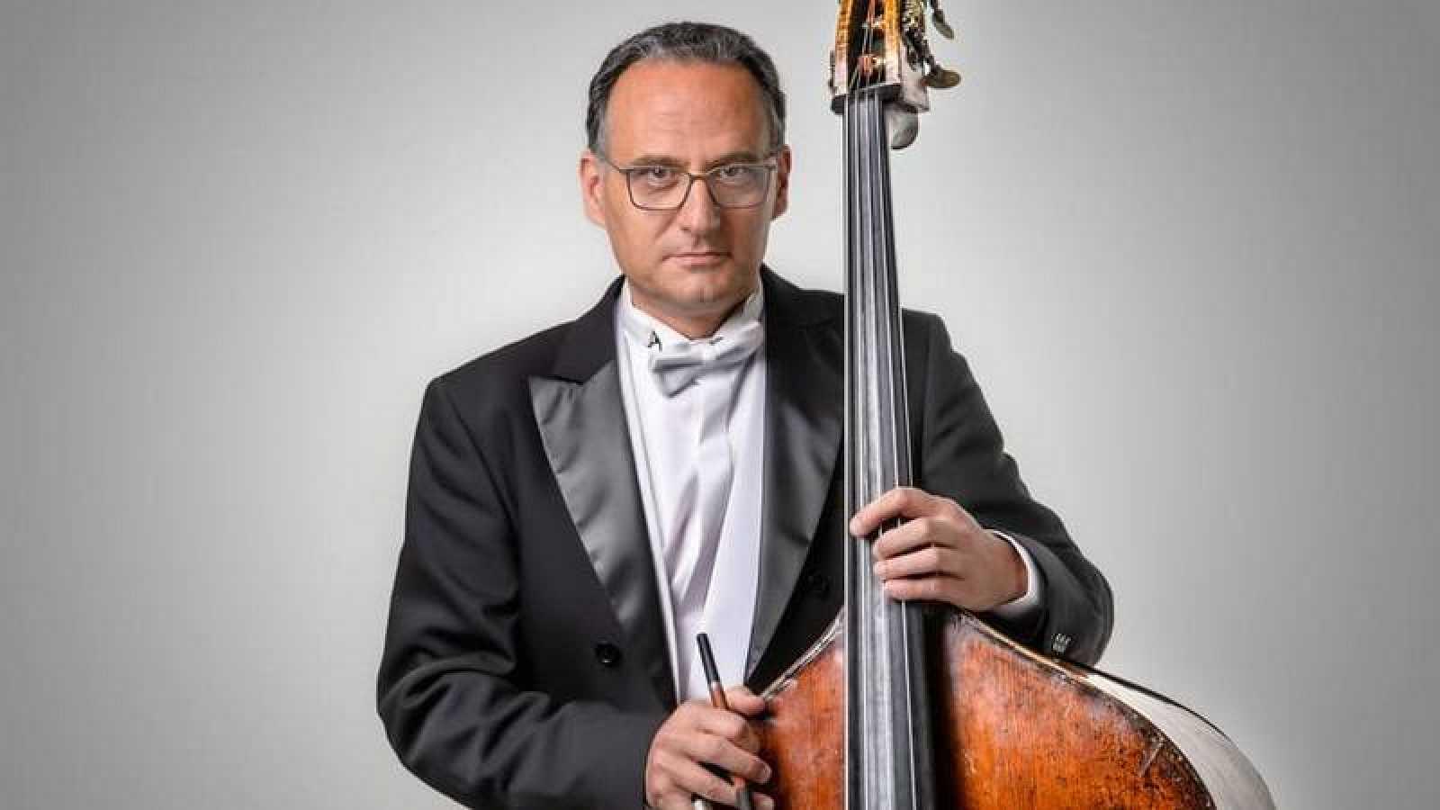El contrabajista y compositor Miguel Franco