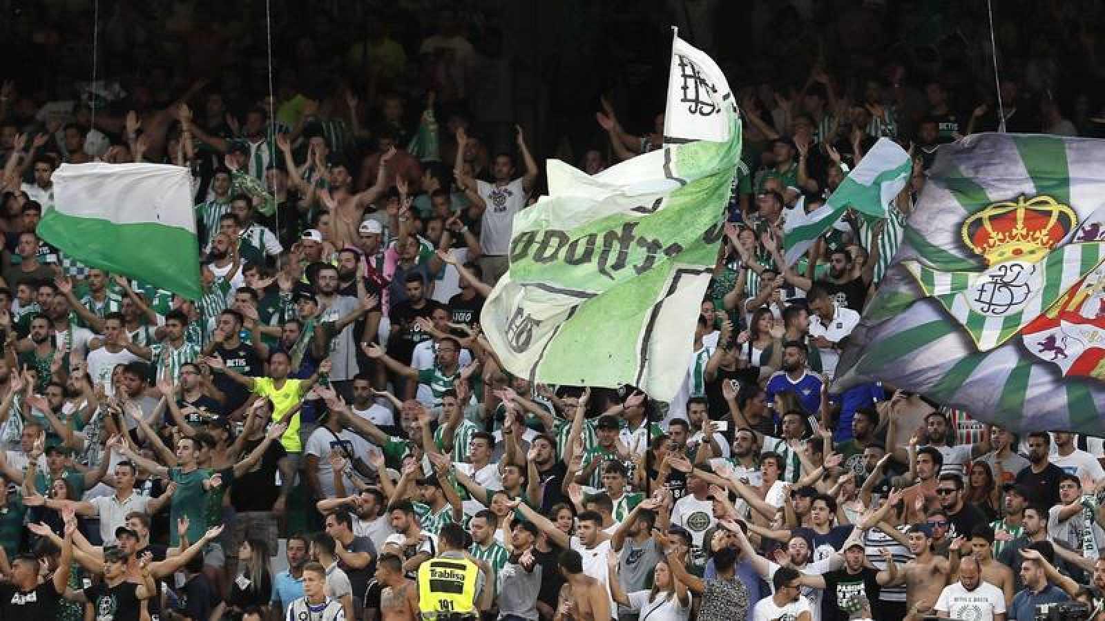 La afición del Betis, en un partido en el Benito Villamarín.