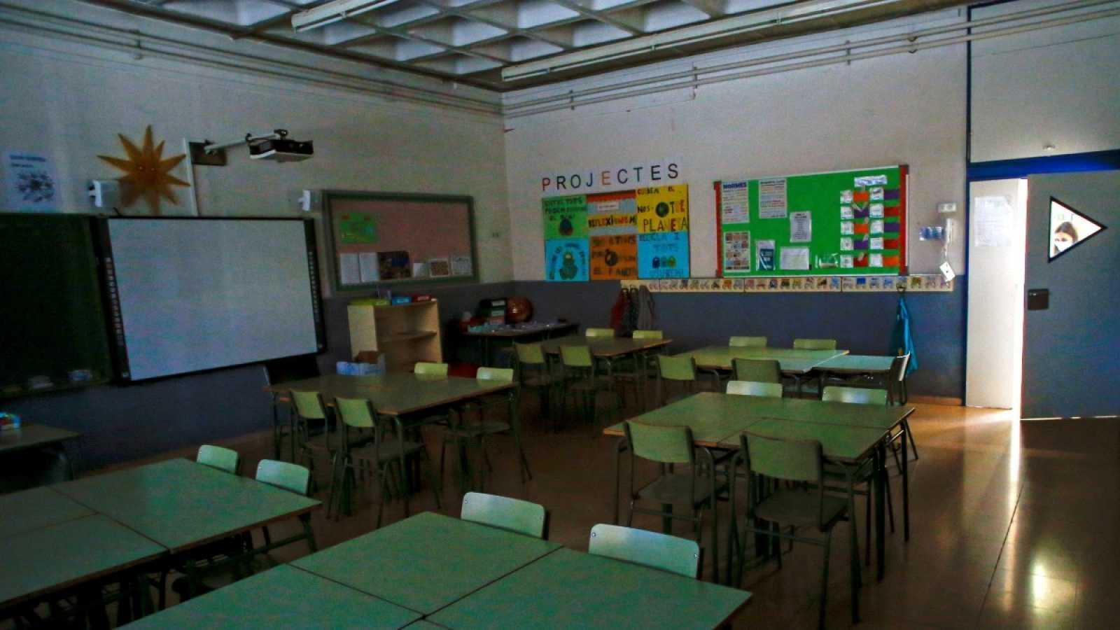 Vista de un aula vacía de la Escola l'Estel de Barcelona