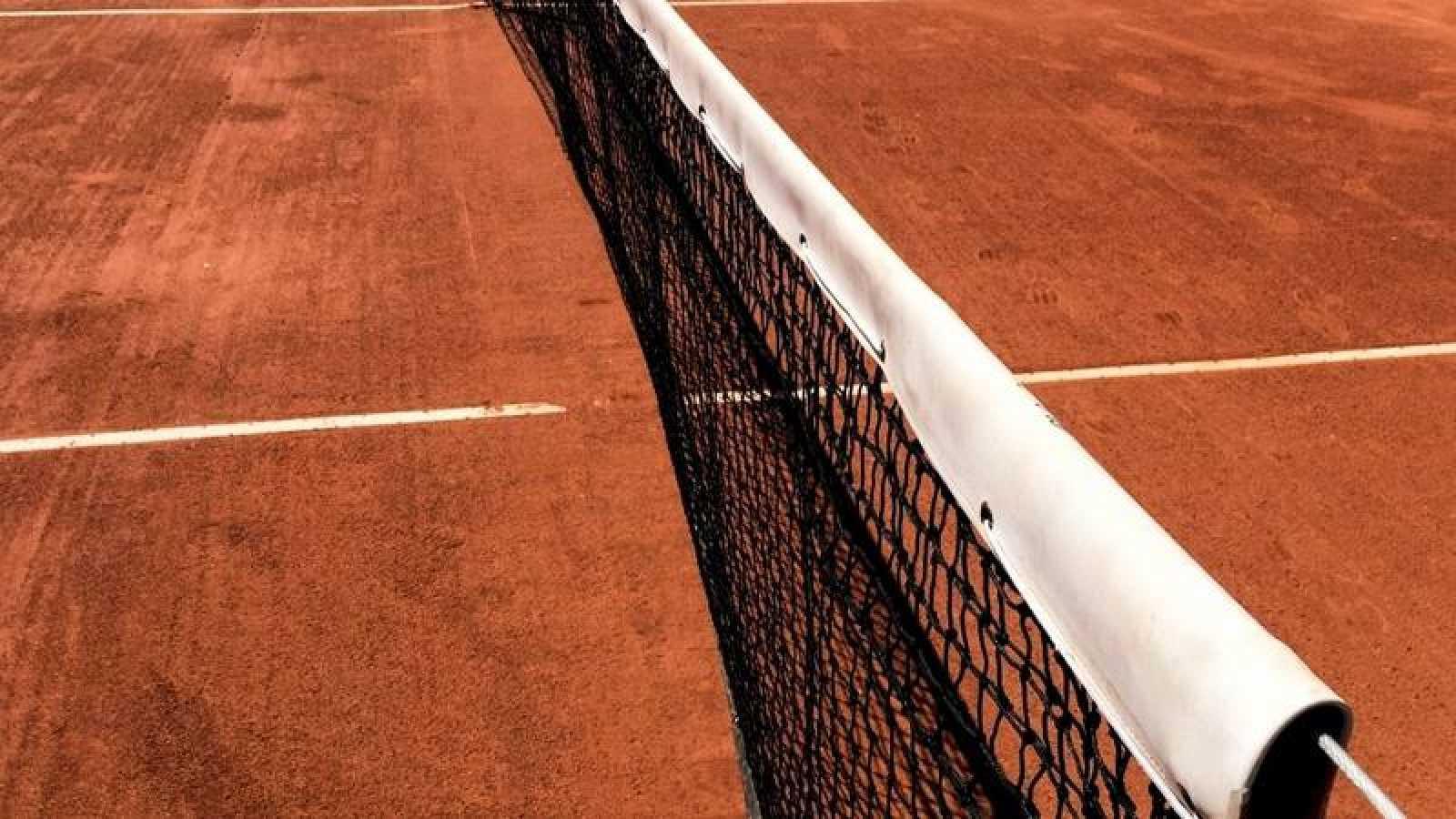 Detalle de una pista de tenis.