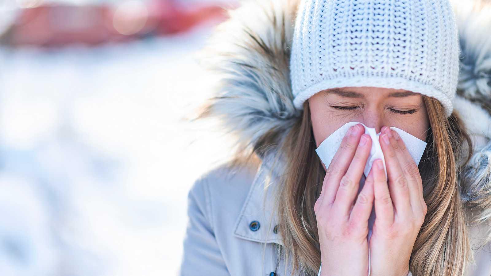 Un estudio sugiere que las infecciones pasadas con coronavirus del resfriado podrían dar lugar a una inmunidad cruzada.