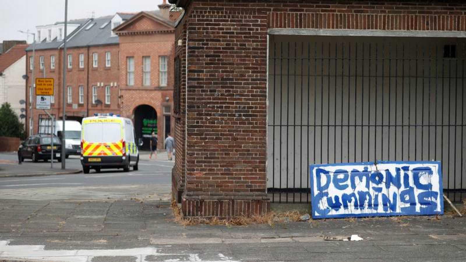 Reino Unido sobrepasa la barrera de los 37.000 muertos con coronavirus envuelta en la polémica del caso Cummings