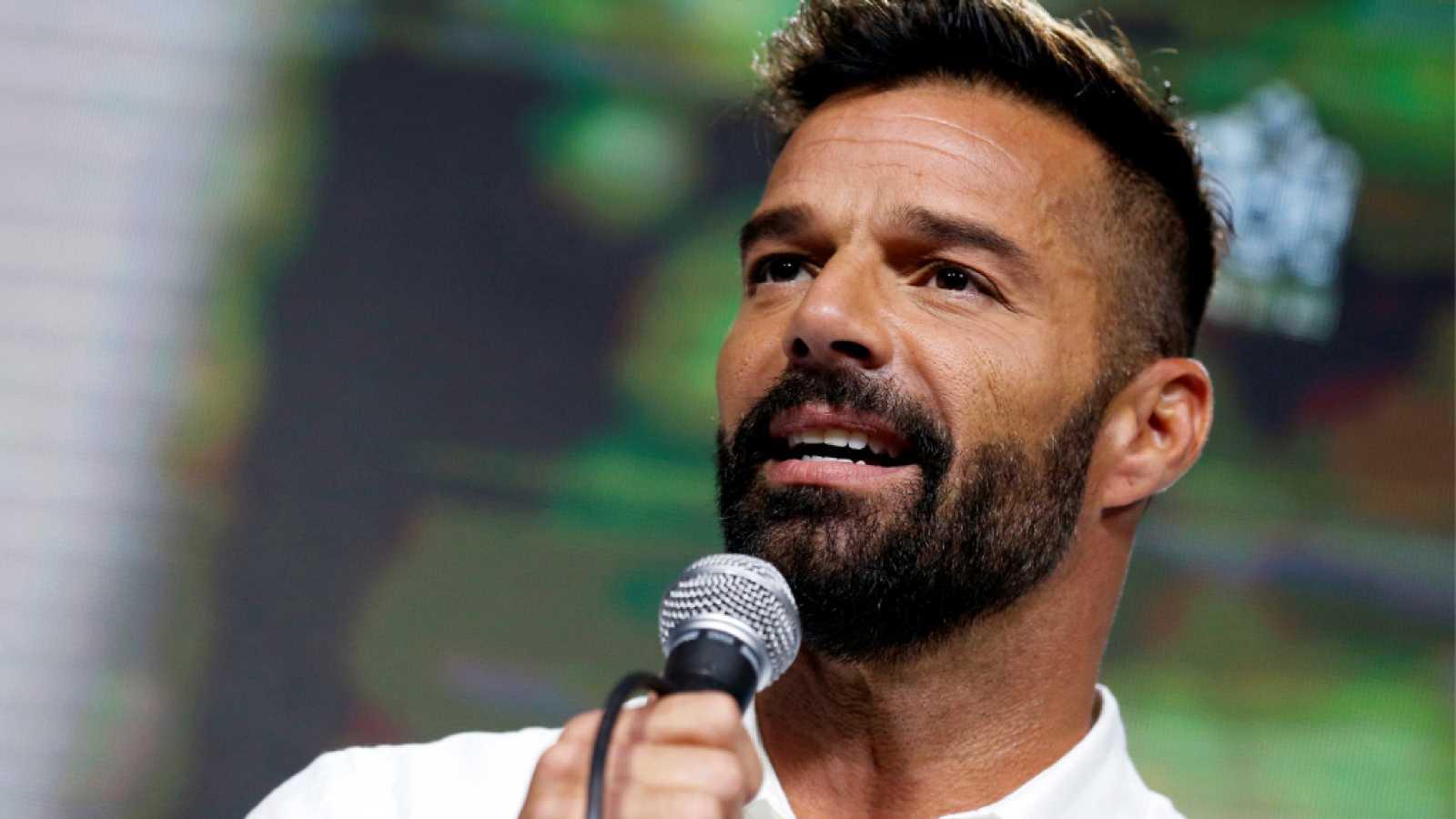 Ricky Martin lanza 'Pausa', un EP donde colabora con Bad Bunny y Residente