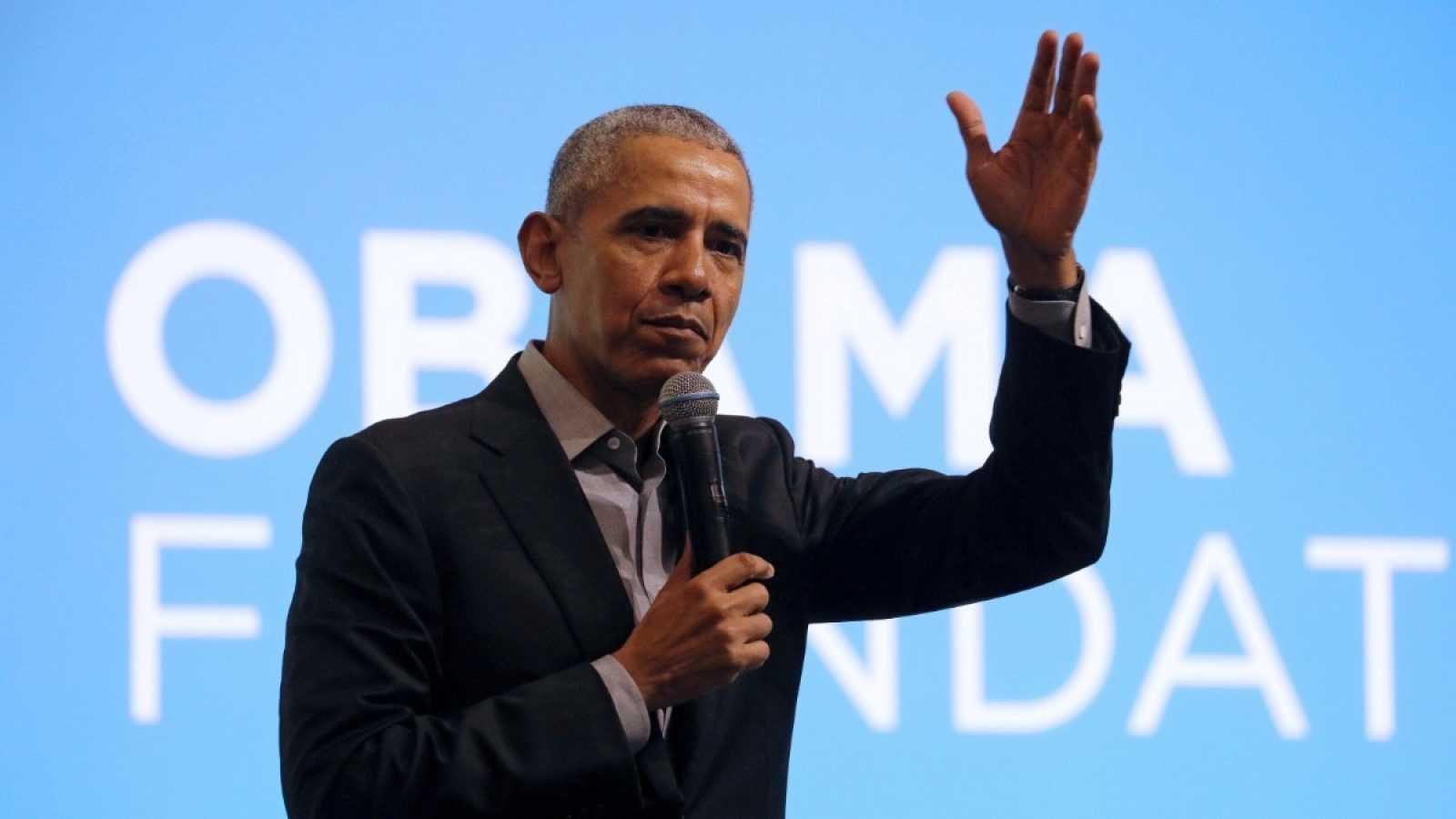El expresidente de Estados Unidos, Barack Obama, habla durante un evento de la Fundación Obama en Kuala Lumpur, Malasia, a finales de 2019.