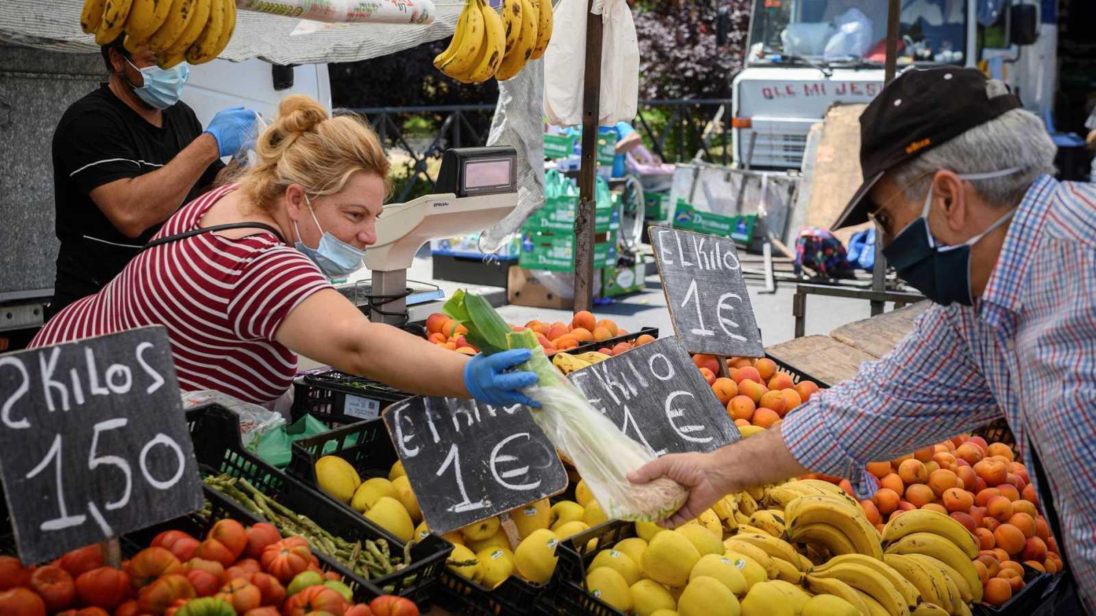 El comercio de proximidad, en locales y mercadillos, aumenta durante el confinamiento
