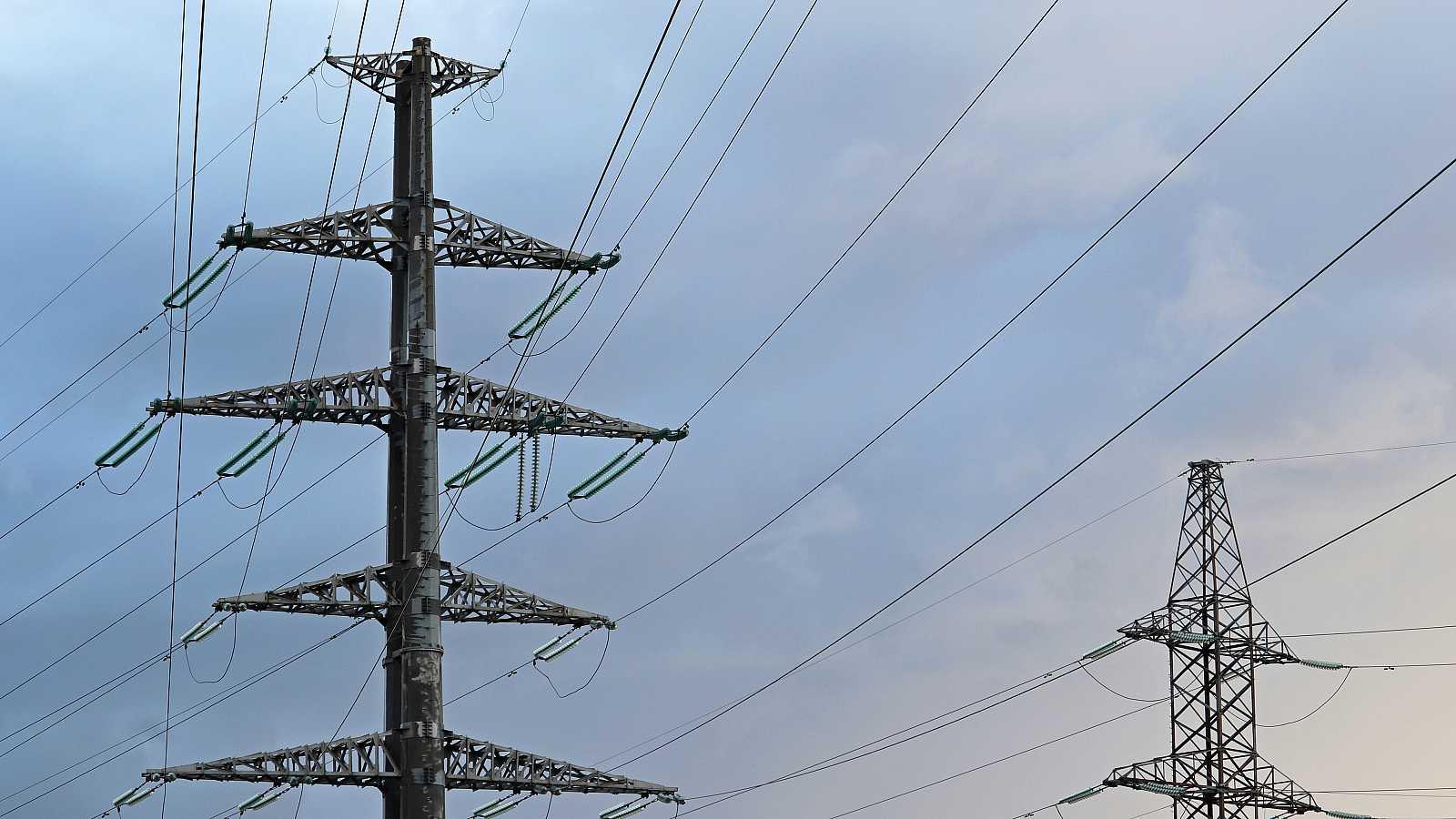 Líneas de transmisión de electricidad.