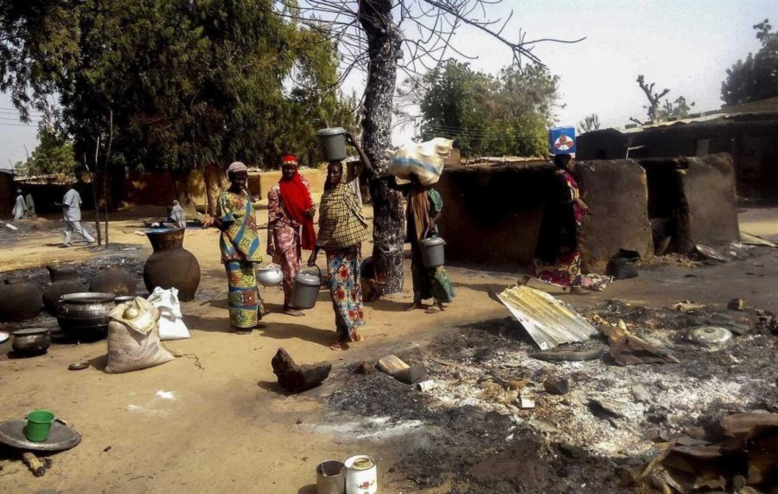 Imagen de archivo de un pueblo de Nigeria calcinado por un ataque de Boko Haram (2016)