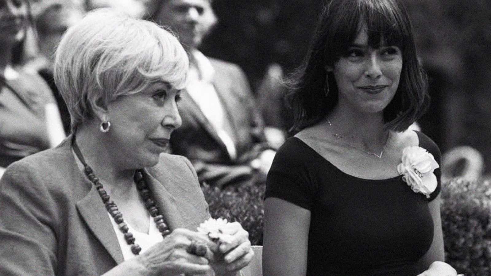 Rosa María Sardá junto a Belén Cuesta, compañera de reparto en una de sus últimams películas
