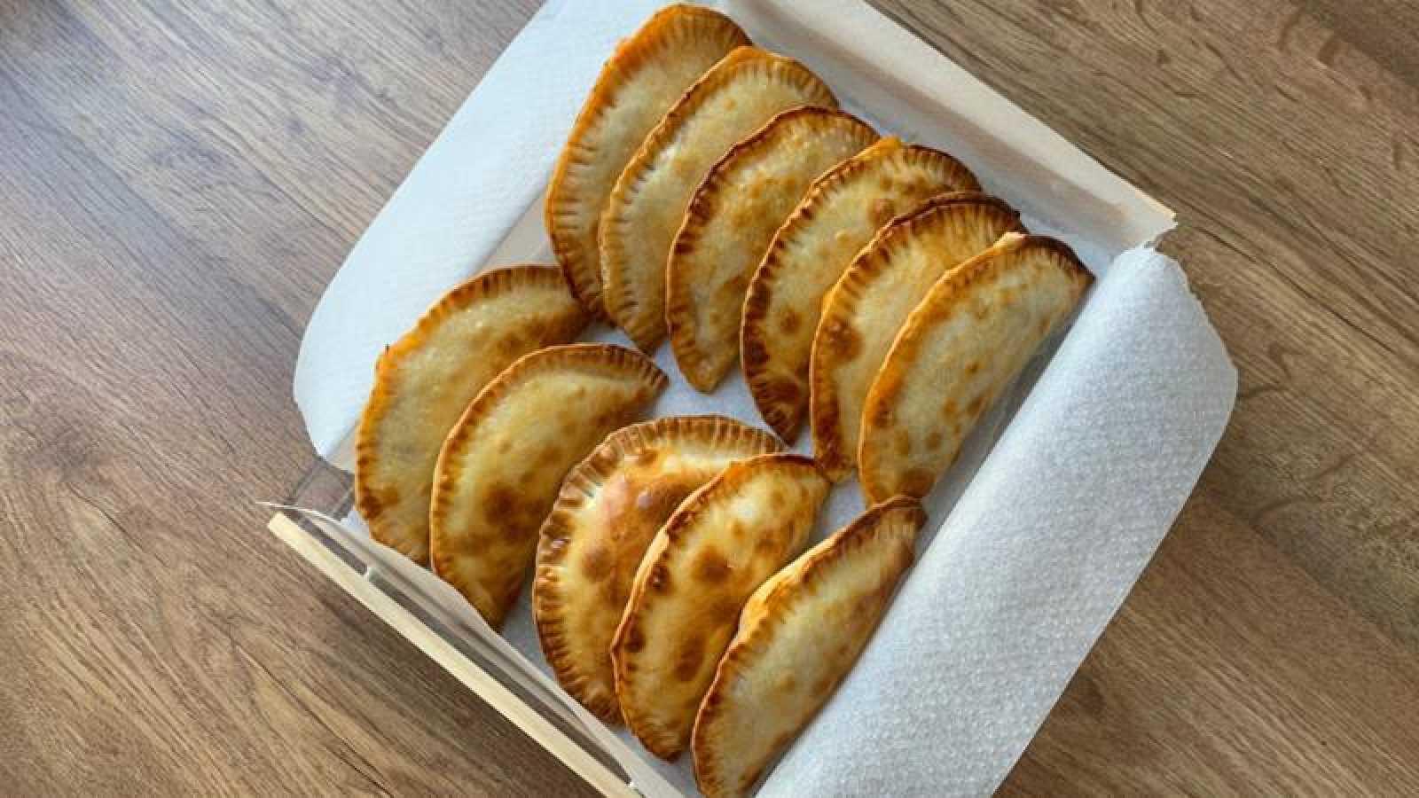 Empanadillas al horno rellenas de escalibada