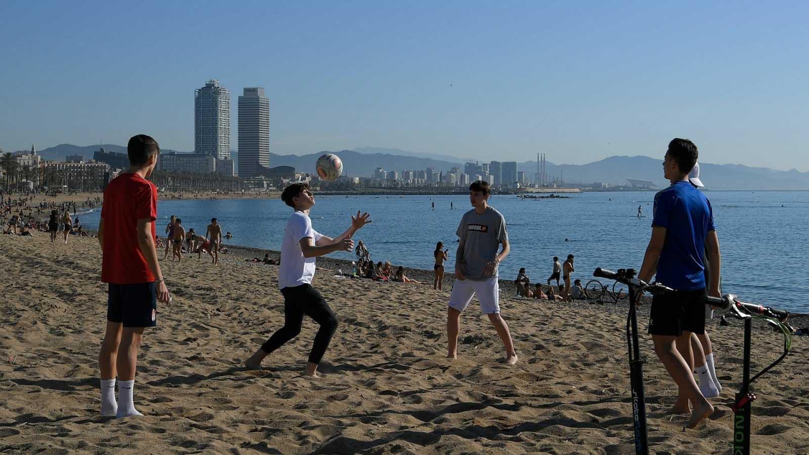 Sanidad acepta que Barcelona y Lleida pasen este jueves a la Fase 3