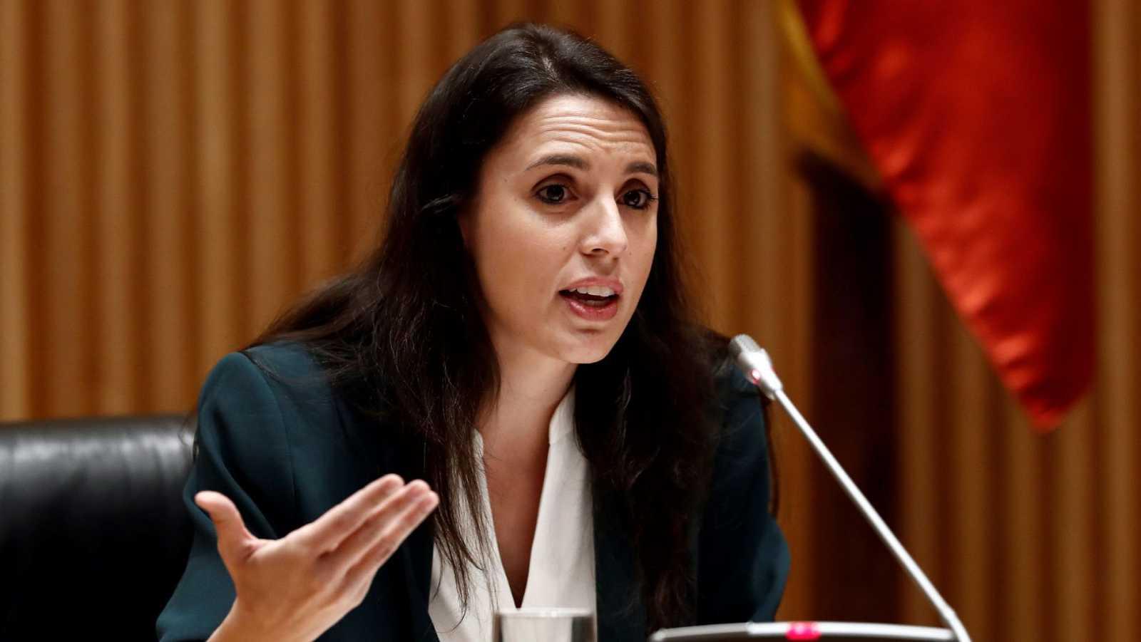 La ministra de Igualdad, Irene Montero, durante una comparecencia ante la Comisión de Reconstrucción del Congreso