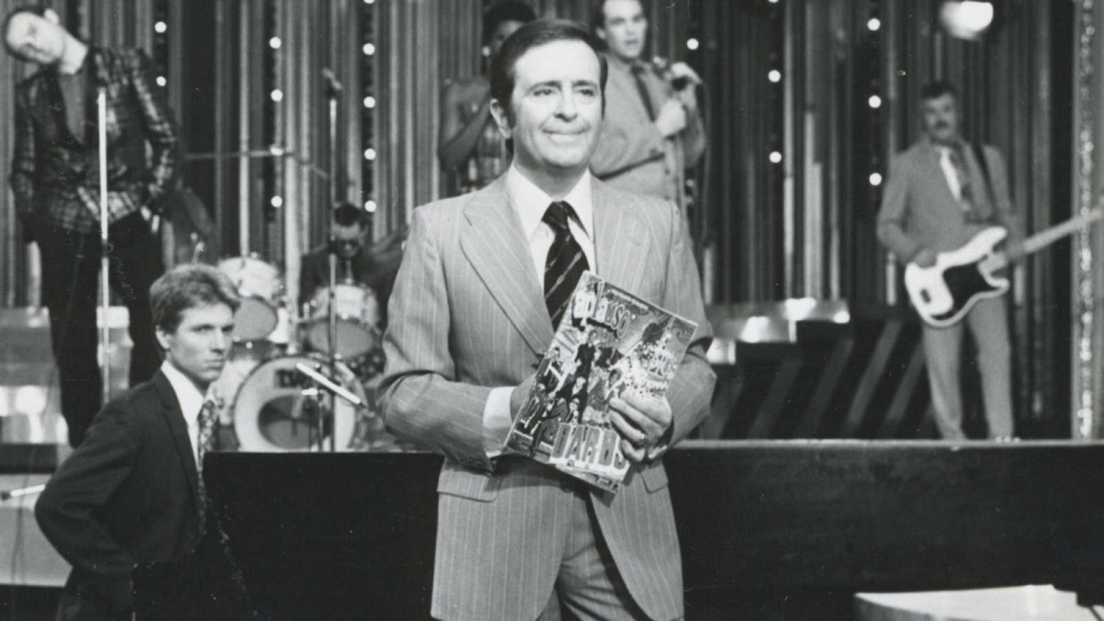 Imagen en plató de José Luis Uribarri, director de 'Aplauso' y también presentador del programa en sus comienzos