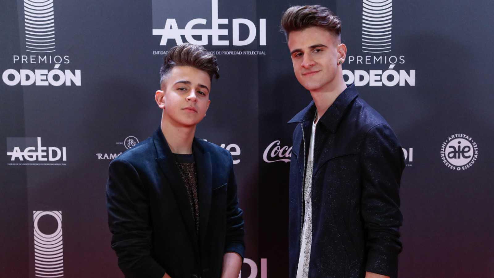 Adexe y Nau, protagonistas del primer concierto emitido en directo desde Madrid