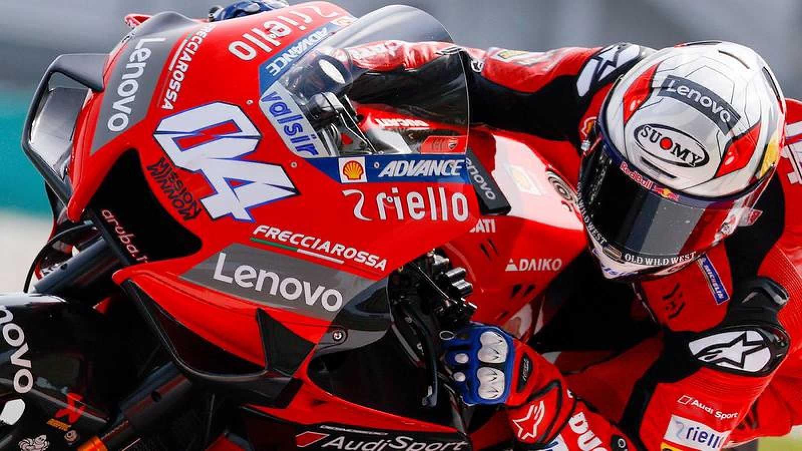 Andrea Dovizioso, a lomos de su Ducati.