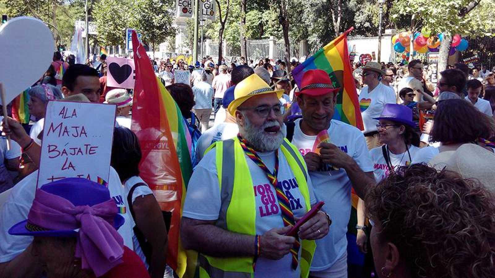Personas mayoresdel colectivo LGTBI, en el Día del Orgullo en Madrid en 2017