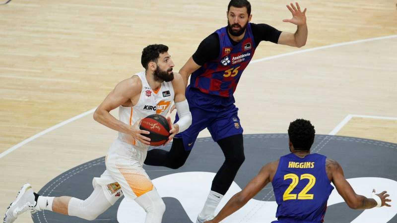 Baskonia y Barça se juegan el titulo de la Liga Endesa.