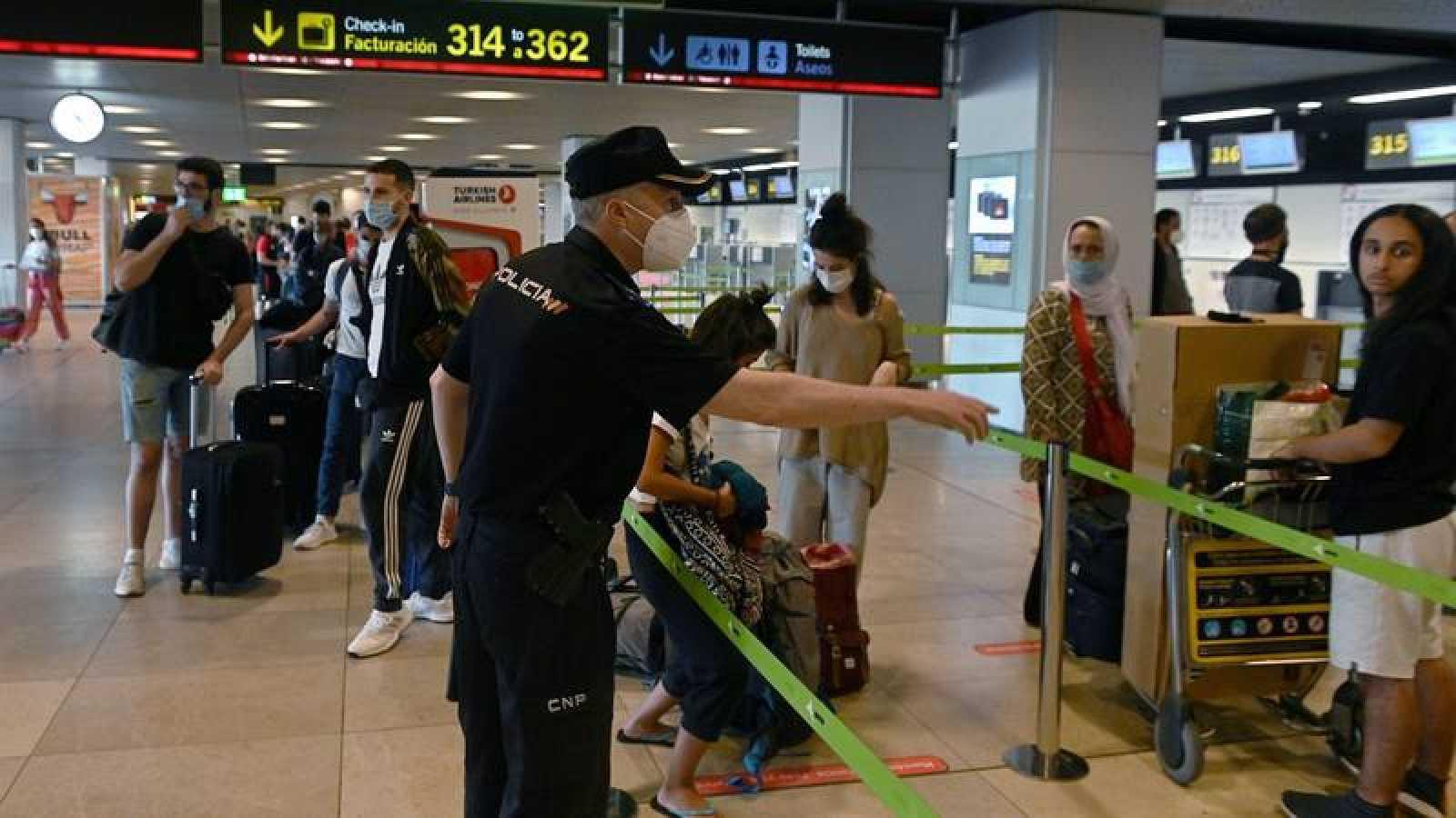Control de pasajeros en Barajas