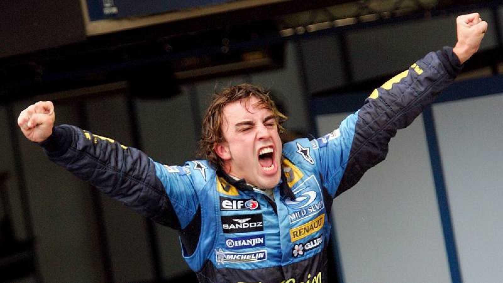Fernando Alonso celebra su segundo Mundial consecutivo de F1 en 2006