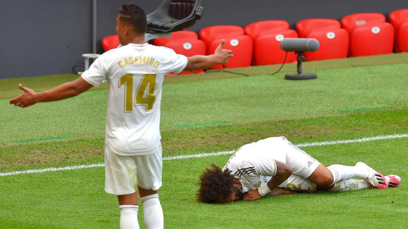 Marcelo, en el suelo en el campo de San Mamés, se duele