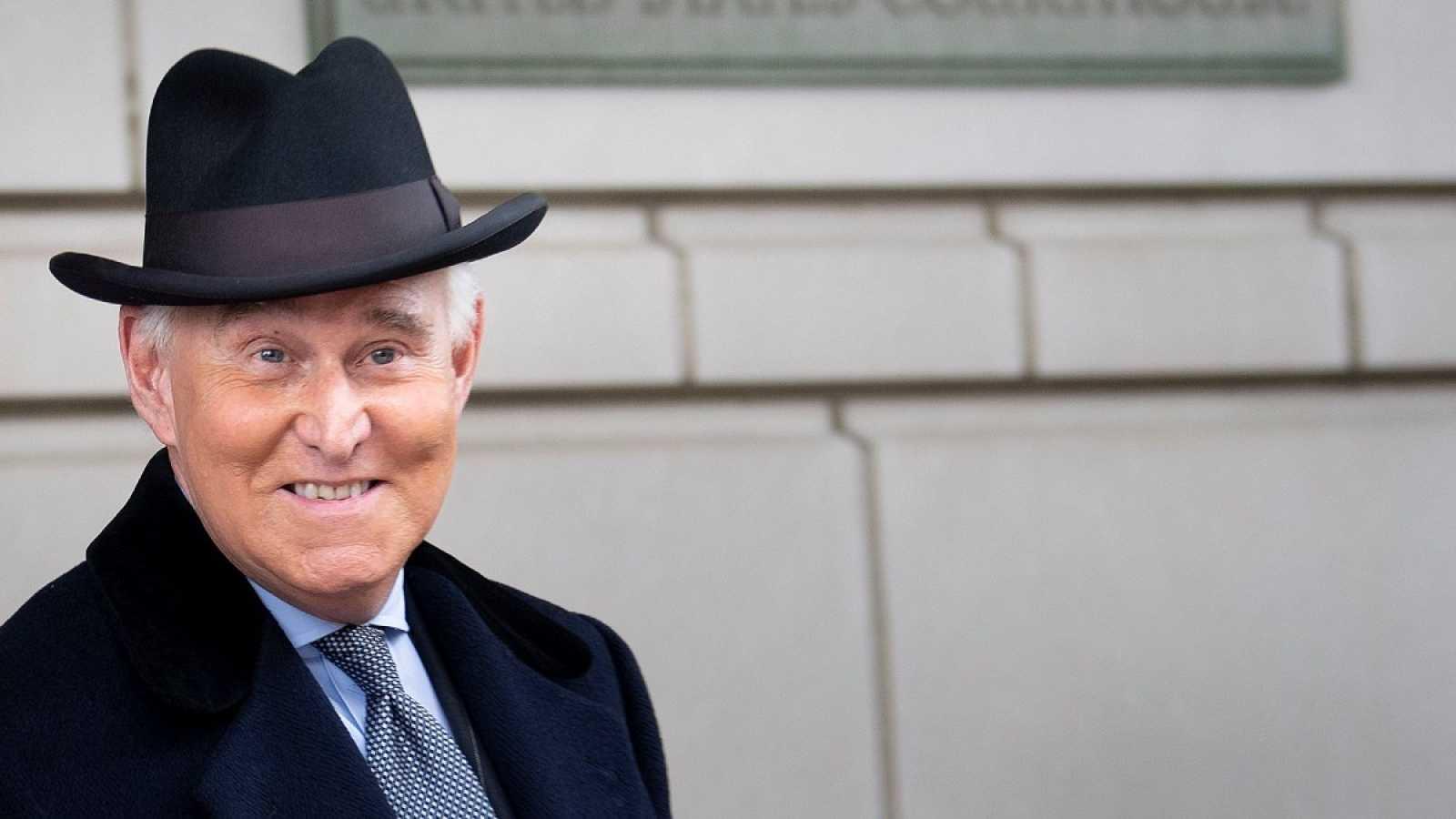 Trump conmuta la pena de cárcel de su excolaborador Roger Stone