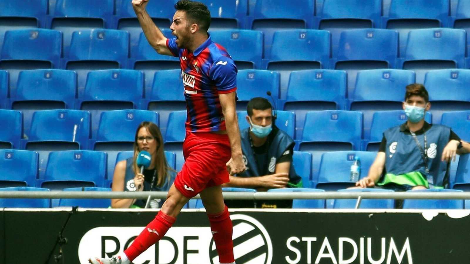 Imagen: Edu Expósito celebra uno de sus goles