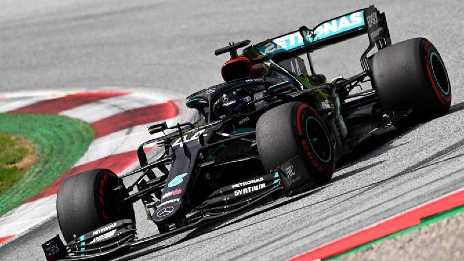 El piloto británico Lewis Hamilton en el circuito de Spielberg en Austria.