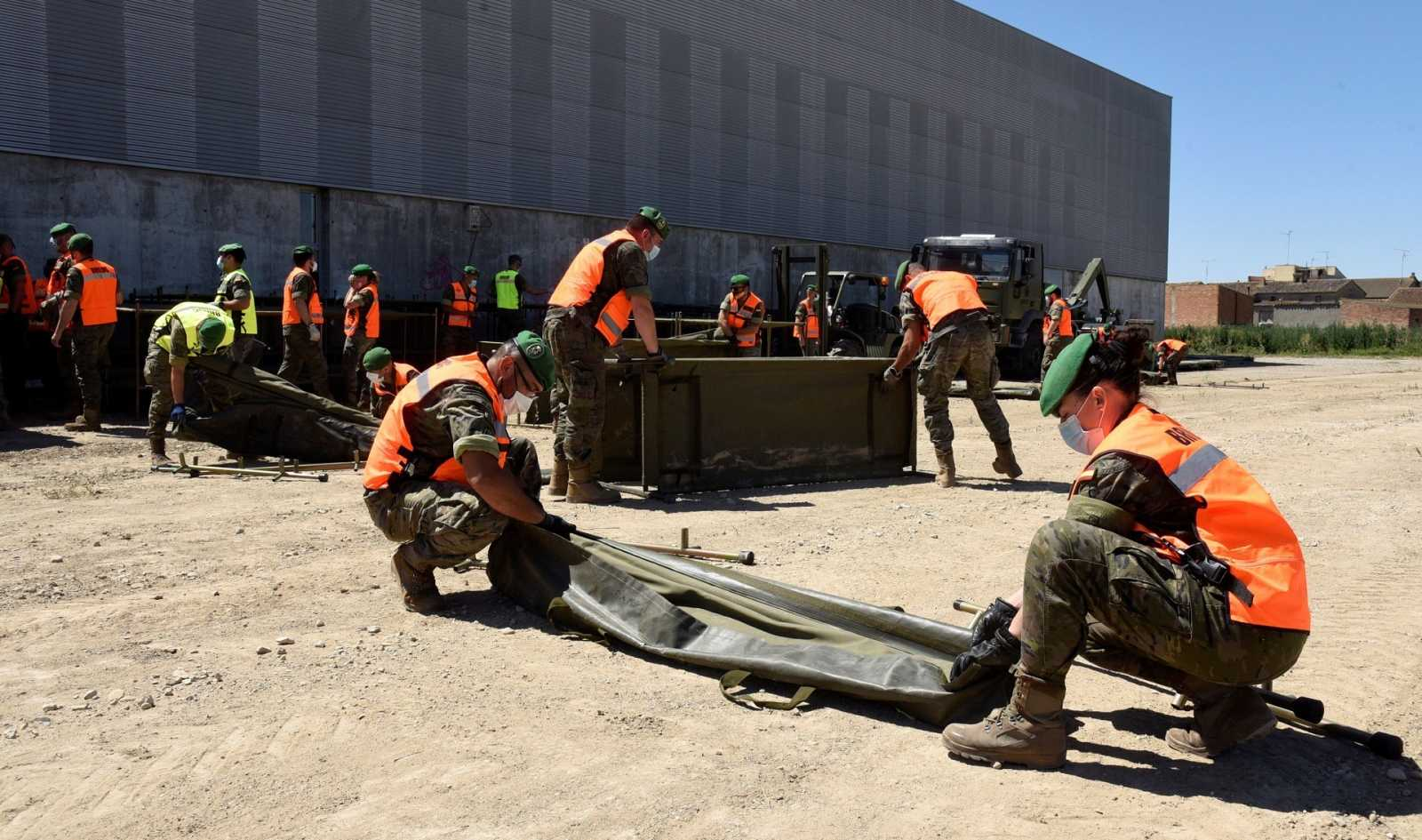 El Ejército, a su llegada a Albalate de Cinca para asistir con el brote de coronavirus