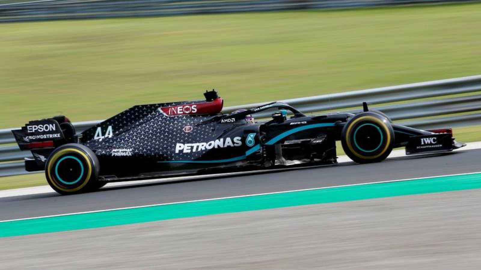El piloto de Mercedes Lewis Hamilton durante el GP de Hungría.