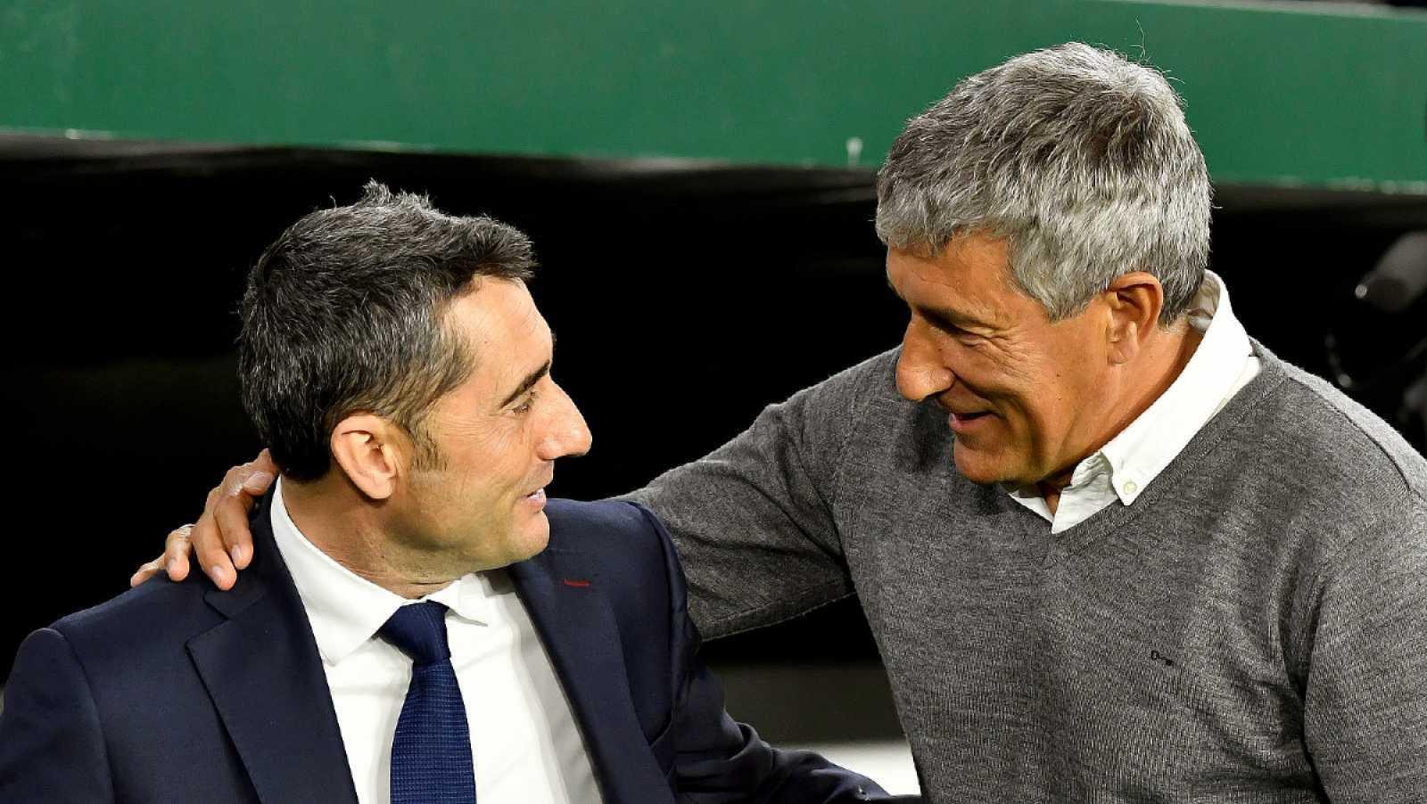 Imagen: Ernesto Valverde y Quique Setién se saludan cariñosamente