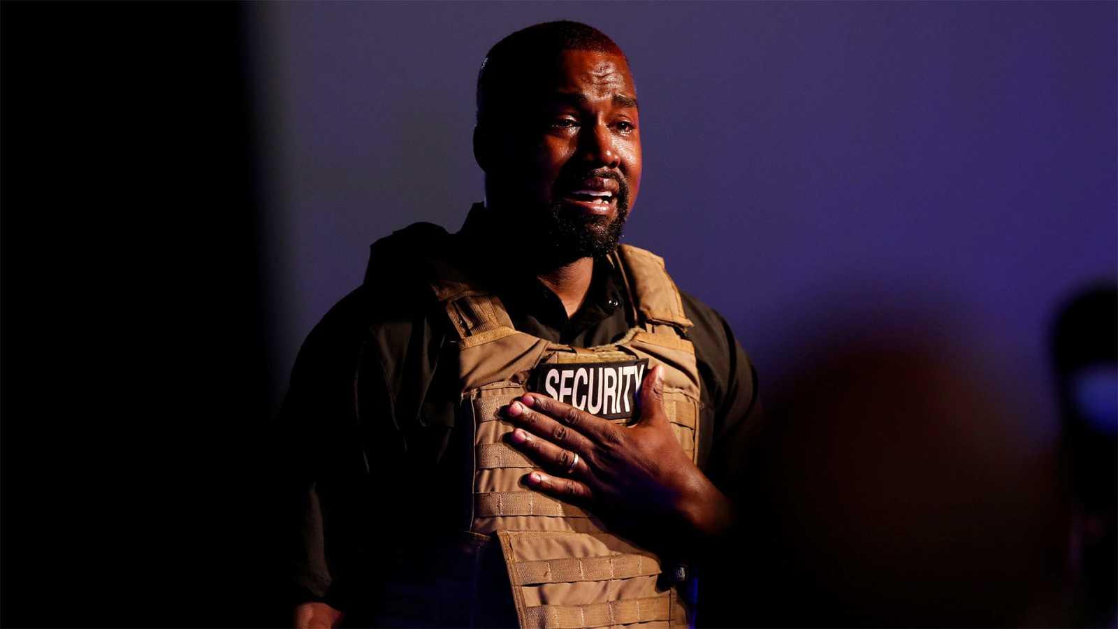 Kanye West, llorando en su primer acto electoral.
