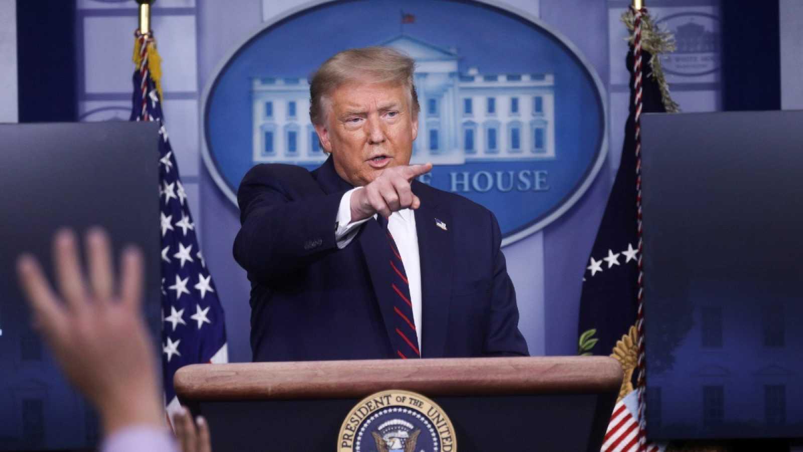 Trump reconoce que la pandemia podría