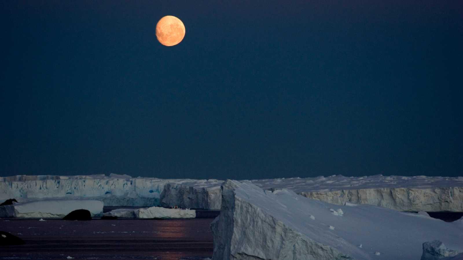 Anocheciendo en el Ártico
