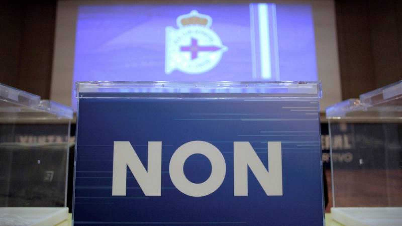 Imagen de una urna de la Asamblea de accionistas del Deportivo.