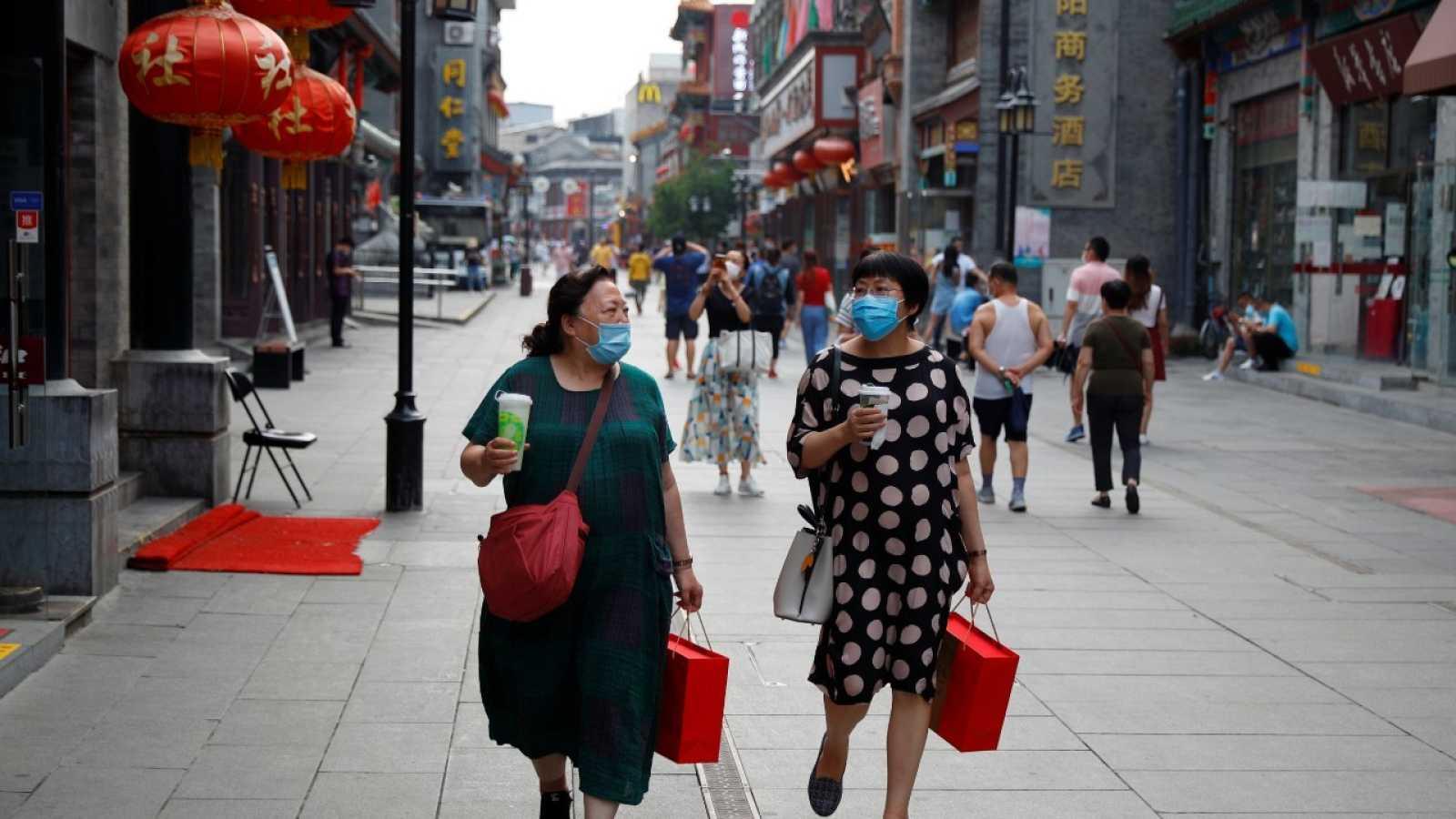 China encadena su tercer día con más de un centenar de nuevos contagios de coronavirus