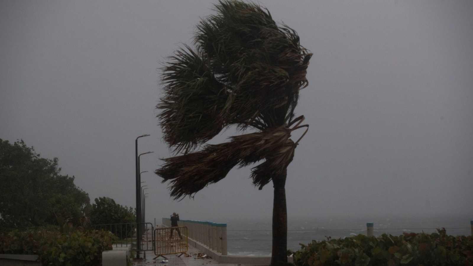 La tormenta Isaías se convierte en huracán de categoría 1 al sur de las Bahamas