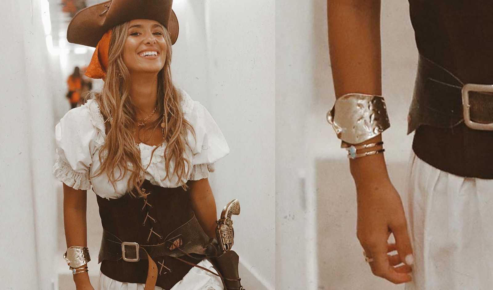 María Pombo con el brazalete diseñado por Ana de MasterChef