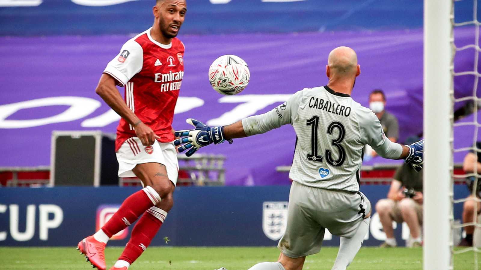 Aubameyang anota el segundo gol del Arsenal