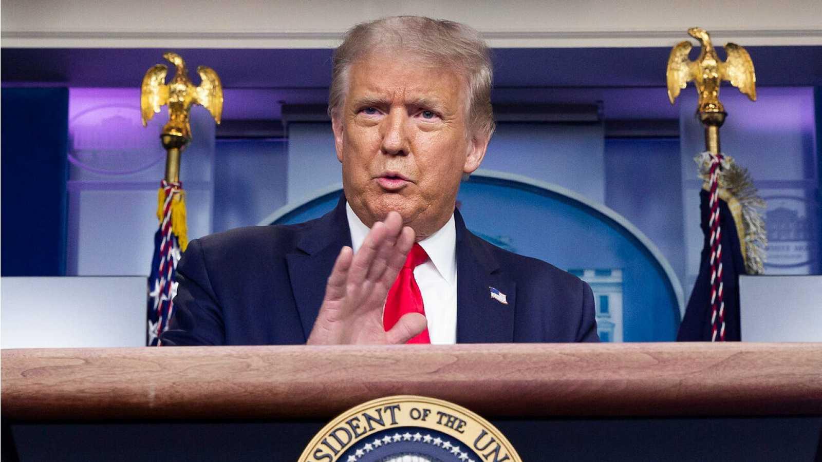 El presidente de los Estados Unidos, Donald Trump, celebra una conferencia de prensa en la sala de prensa en la Casa Blanca en Washington, DC, EE. UU.
